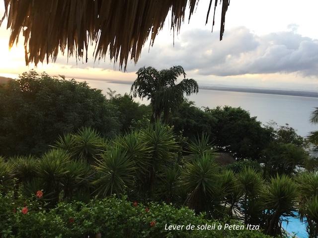 Peten Itza lever de soleil